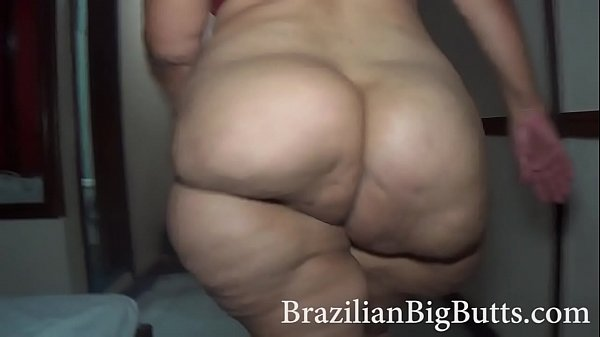 BrazilianBigButts.com SSBBW Walking Naked