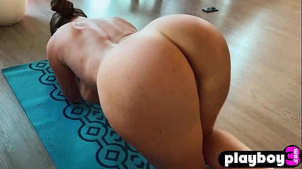 Wet curved MILF Sophie Dee tried a new big sex toy after passion training