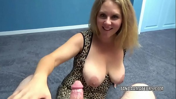 Curvy wife Dani Arcadia is on her knees and sucking dick Thumb
