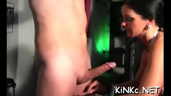 Mistresse stretches slave's arse