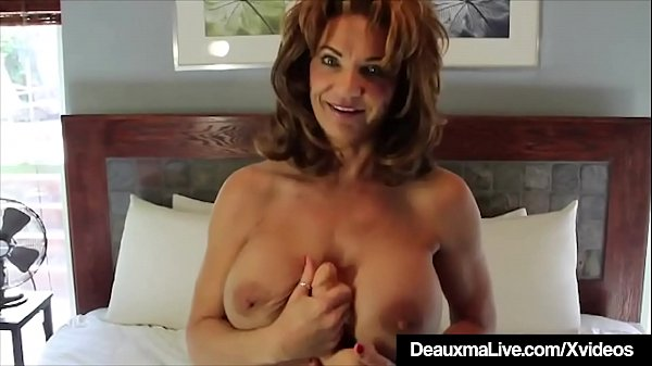 Super Sexy Mommy Deauxma Dildo Bangs Her Pussy ...