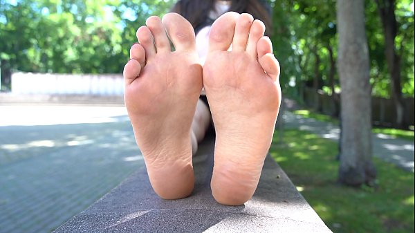 Wrinkled Soles And Pointed Red Toes in 4k