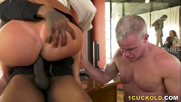 Richelle Ryan Fucks BBCs In Front Of Her Cuckol...
