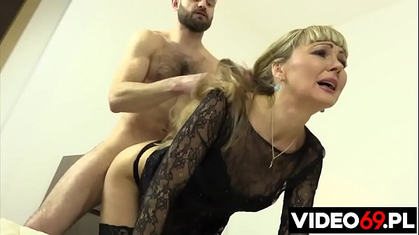 Polish porn - Surprise gift in mom's ass