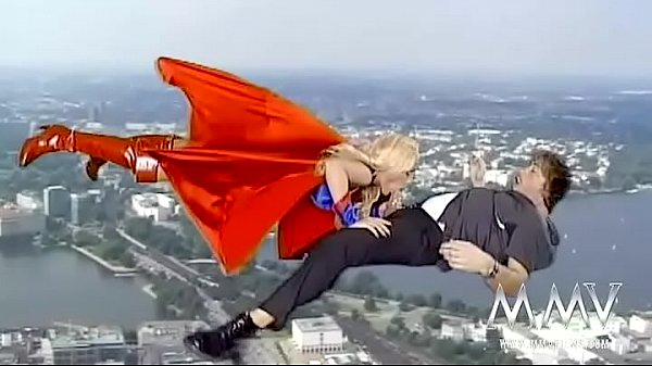 Supergirl Kelly Trump Thumb