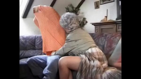 el nieto y su abuela