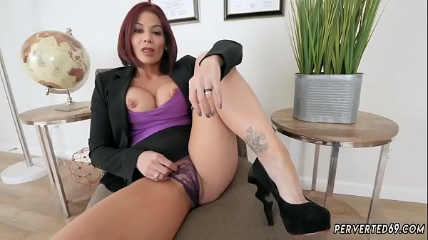 Mom mailed and fucked Ryder Skye in Stepmother Sex Sessions
