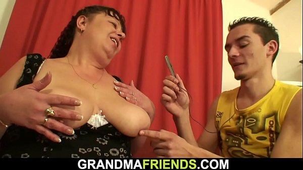 Fuckolder fucks younger big tits girl 30 minute video Two Buddy Fuck Older Big Boobs Plumper Xvideos Com