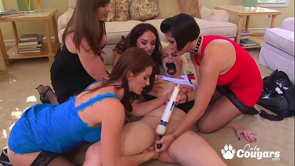 Lesbian Orgy Breaks Out At A Pleasure Party