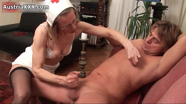 Nasty mature woman goes crazy jerking