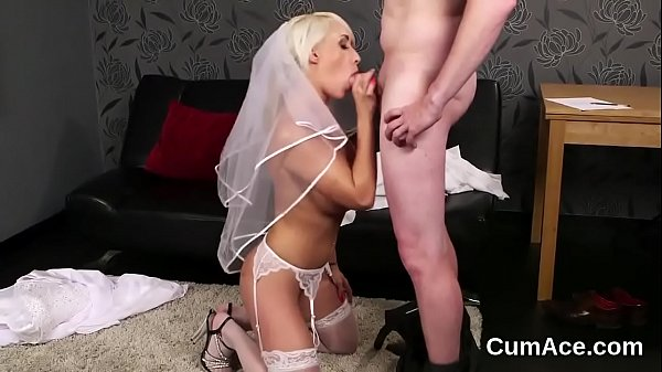 Spicy peach gets cum load on her face sucking all the ejaculate