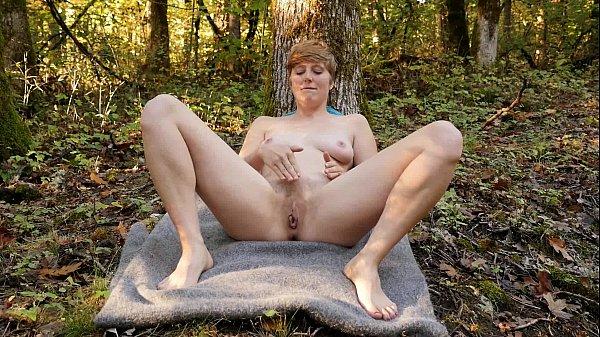Short Haired Aurora Masturbating