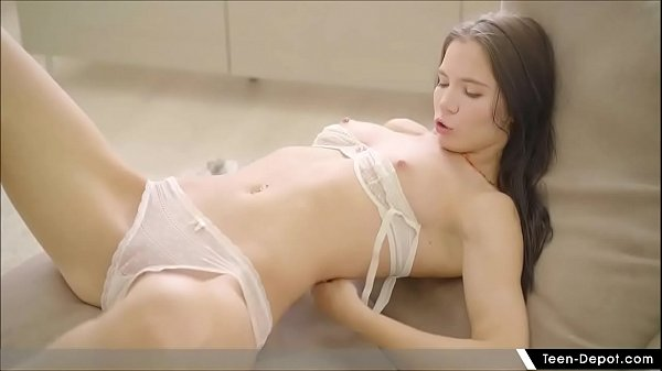 Hot Teen Chloe Masturbating With Dildo