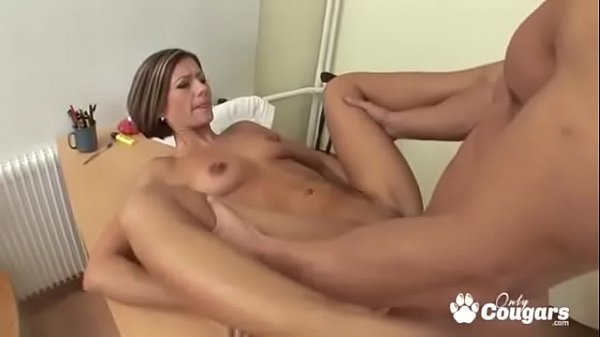 MILF Spreads Her Legs Wide For Some Anal