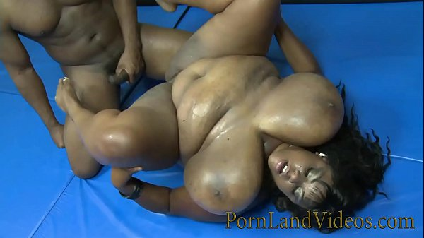 Big Black Pussy The Minxxx goes to battle bang loser