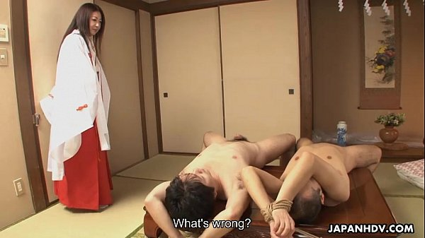 Milf finds two strapped dudes naked she fucks l...