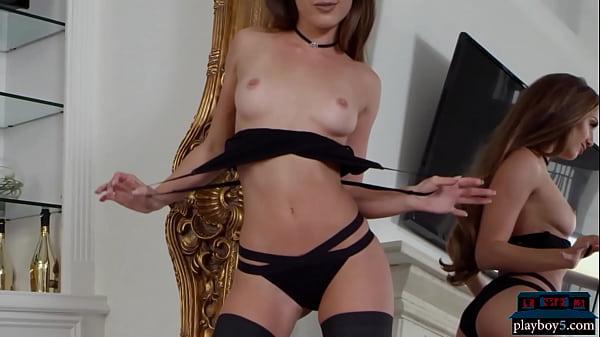 Tight American MILF model Melissa Lori hot stri...