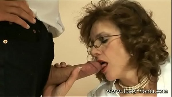 MILF Cougar Lady Sonia strokes a cock and eats ...