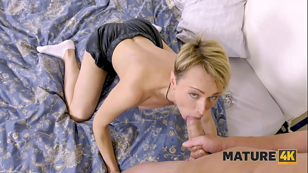 MATURE4K. Housewife exploits facial and vaginal lips to satisfy tenant