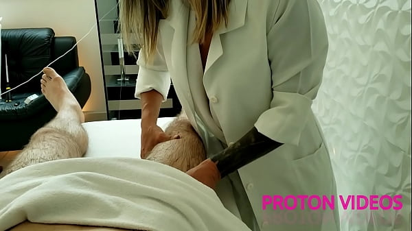 Bareback fucking the super hot milf masseuse Ma...
