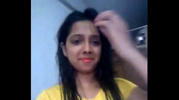 Desi girl playing pussy