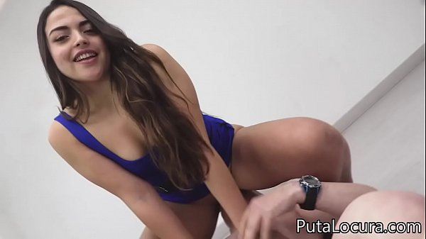 Bukkake with 29 cumshots for the Chilean Dafne ...