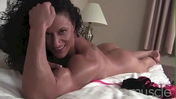 Naked Female Bodybuilder Miss Lisa Posing