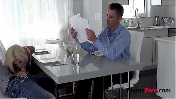Davanti al figlio scopata mamma porno