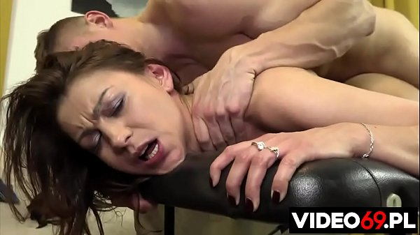 Polish porn - Awesome MILF slut fucked anal by young masseur