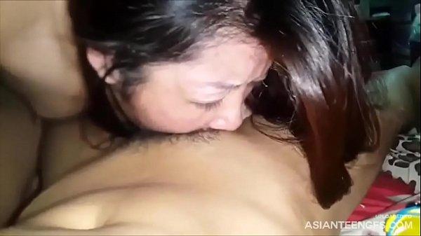 (HOMEMADE) Vietnamese girlfriend deepthroat blowjob
