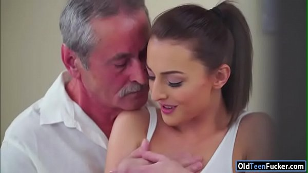 Czech Katy Rose sucks off and old guy before ri...