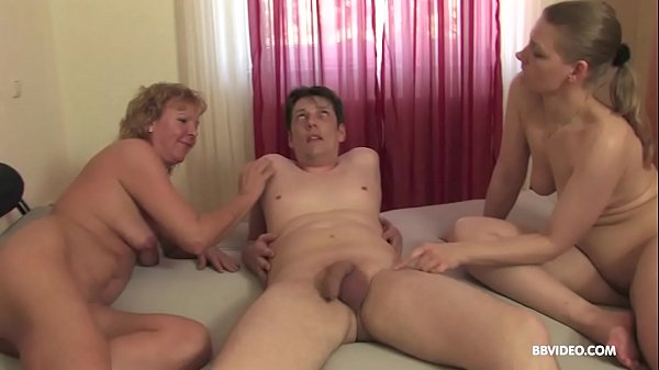 German threesome with amateur matures and anal penetration