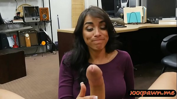 Sexy amateur brunette lady gets screwed at the ...