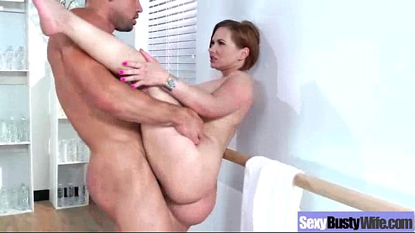 Horny Mommy WIth Big Juggs In Hard Sex Scene vid-12