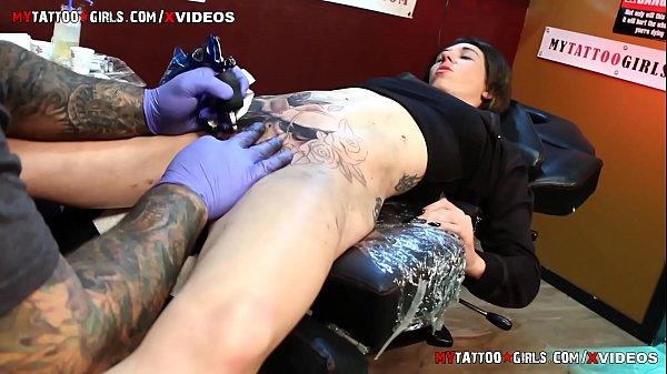 Tattoo in pussy