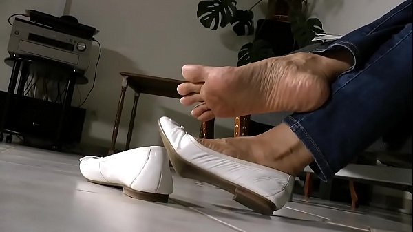 Cams4free.net - Asian Shoeplay and Dangle