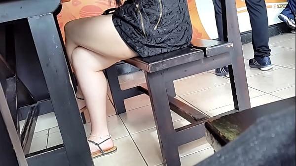 Espiando Piernas - Spy legs
