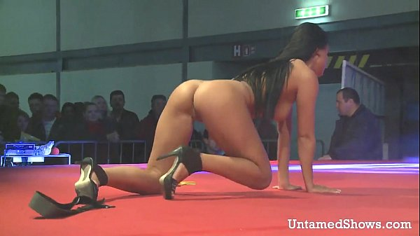 Hot stripper dancing and fingering her snatch