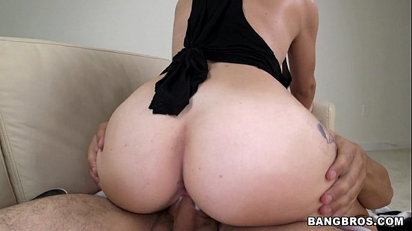 BANGBROS - New amateur pussy came by to fuck Thumb