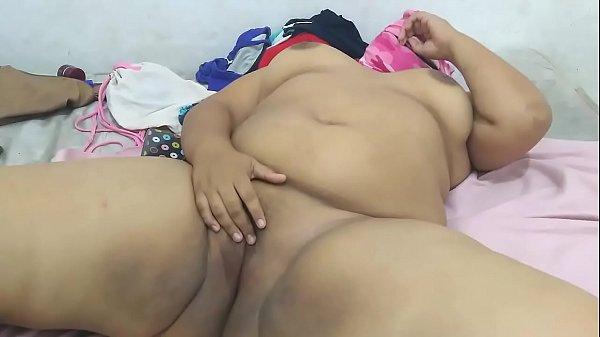 Hot slut sent me her sex video on whatsapp