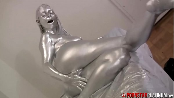 PORNSTARPLATINUM Mindi Mink Covered in Silver Before Teasing