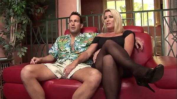Chelsea mlf horny blonde would also like to put...
