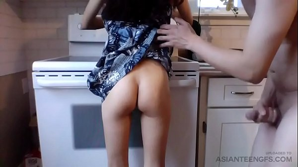 (HOMEMADE) Kitchen sex with slim filipino girlf...