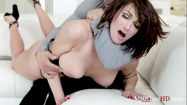 A Submissive Stress Free Snatch- Becky Bandini