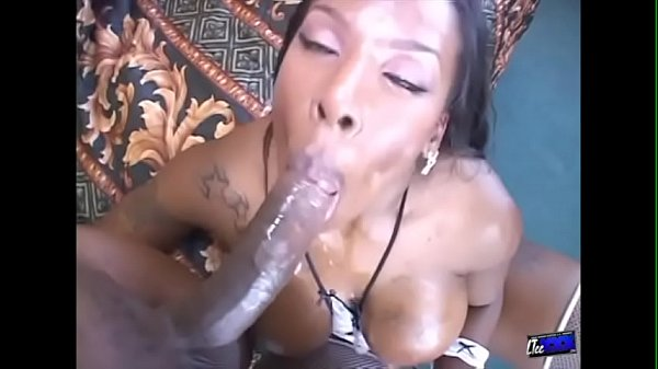 Big ghetto booty Kelly Starr gets her asshole slammed by LT