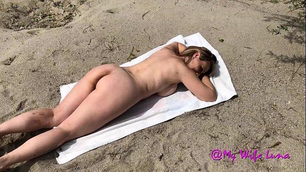 Luna the Italian milf buggered on the beach by a stranger