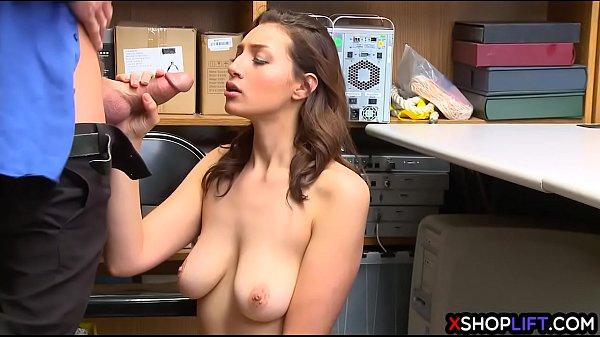 Zralá žena a její velká prsa miluje muž