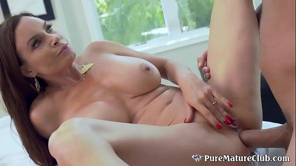 Stunning Texan Milf Diamond Foxxx Toyed & Fucked In Her Ass