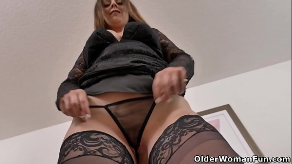 Hot mature Candy from Canada rubs her fuckable pussy