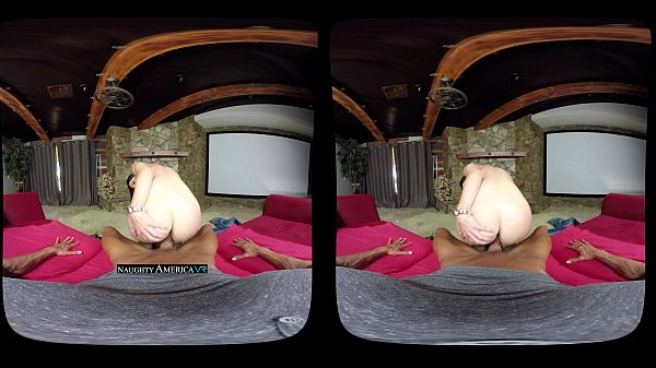 VR MILF - India Summer - NaughtyAmericaVR.com Thumb